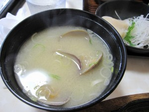 オダイトウ野付湾のアサリの味噌汁